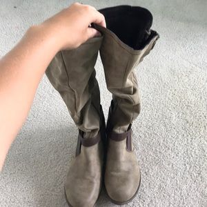 Cute Light Brown/Tan Boots
